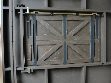 how to build a gallows trapdoor
