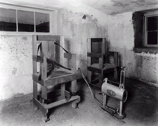 Gas Chamber Death Penalty Video The execution commenced at